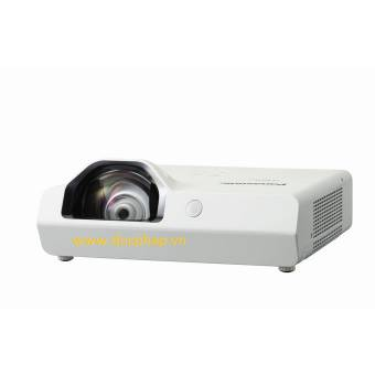Máy chiếu short throw Panasonic PT-TW340A